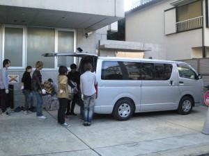 03学校車へ