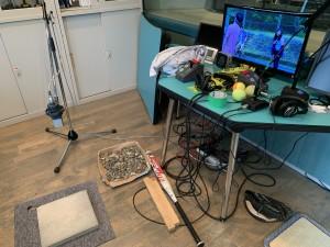東放学園SKY STUDIO内に準備された道具の数々