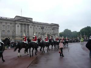 バッキンガム宮殿ではこんなシーンも見られました