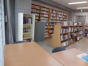 図書室内①